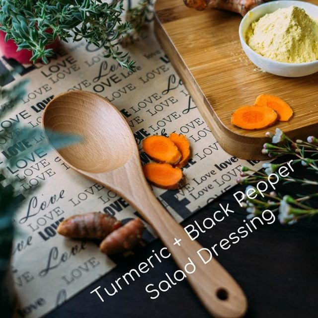 TGIF to all of our tiny revolutionaries! 🙌🏻 Whether you're going to a BBQ or cooking at home, read up on why turmeric and black pepper make the best salad dressing combo! ✔️ Curcumin is a potent antioxidant found in turmeric ✔️ Piperine is a bio-reactive molecule found in black pepper 👍 Together, Piperine enhances the absorption of Curcumin into the body, turning on anti-inflammatory activity and antioxidant and disease-fighting qualities!  Turmeric + Black Pepper Salad Dressing ½ cup extra virgin olive oil 2 tbs organic apple cider vinegar 1 tsp organic black pepper 2 tsp organic turmeric powder ¼ cup fresh herbs, chives/parsley/ etc chopped Add to mason jar, shake, and refrigerate for up to one week *Adapted from http://happygutlife.com