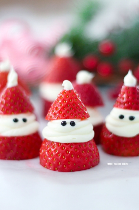 1503414152-strawberry-santa-treat.jpg