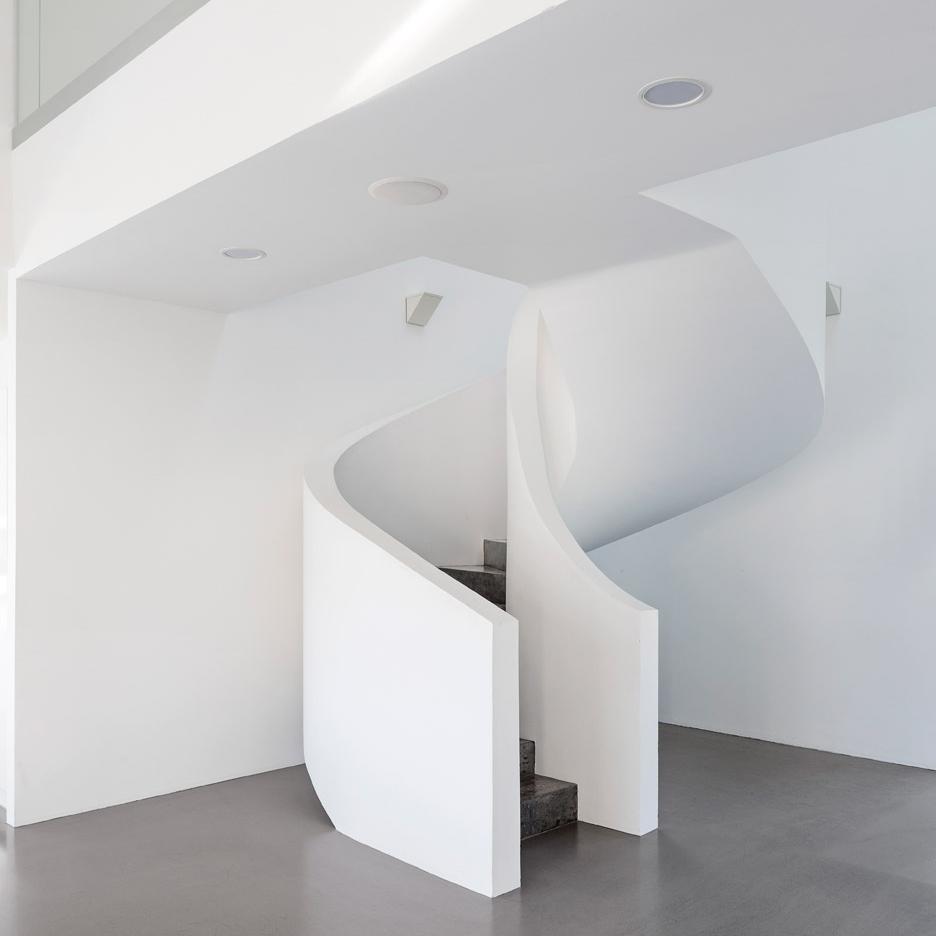 Villa-Lumi_Avanto-Architects_house_Nummela_Finland_dezeen_936_2.jpg