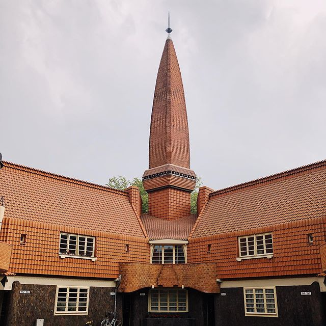 Het Schip, Michel de Klerk (1917-1920) — #brickstagram #amsterdam #amsterdamarchitecture #amsterdamschool #brickexpressionism #spire #dutchmodernism #modernism #brickhouse