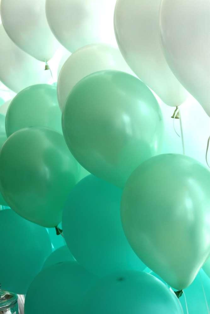 teal-balloons.jpg