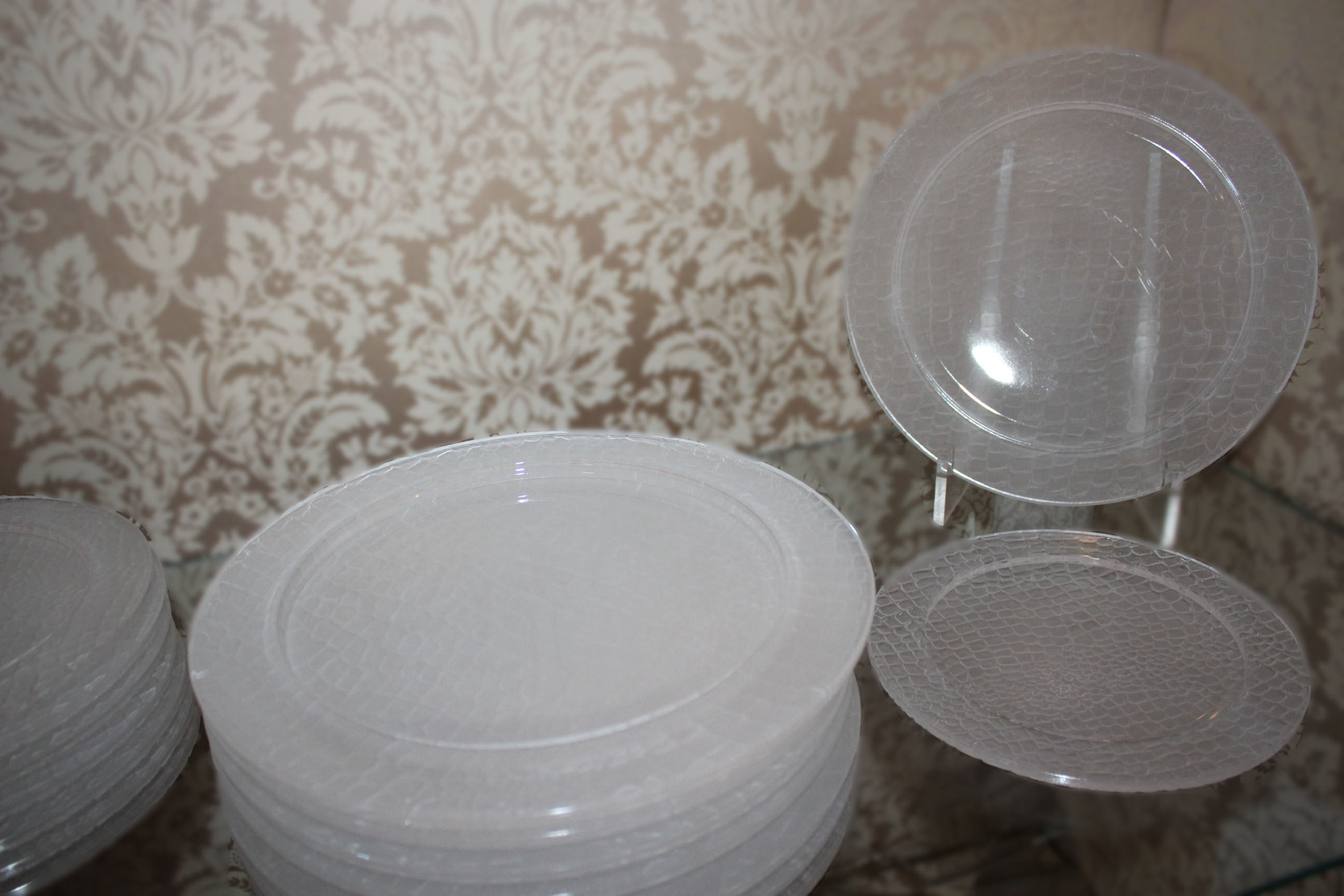 Gucci 18 Piece Crystal Mid Century Alligator Pattern Signed Dinnerware