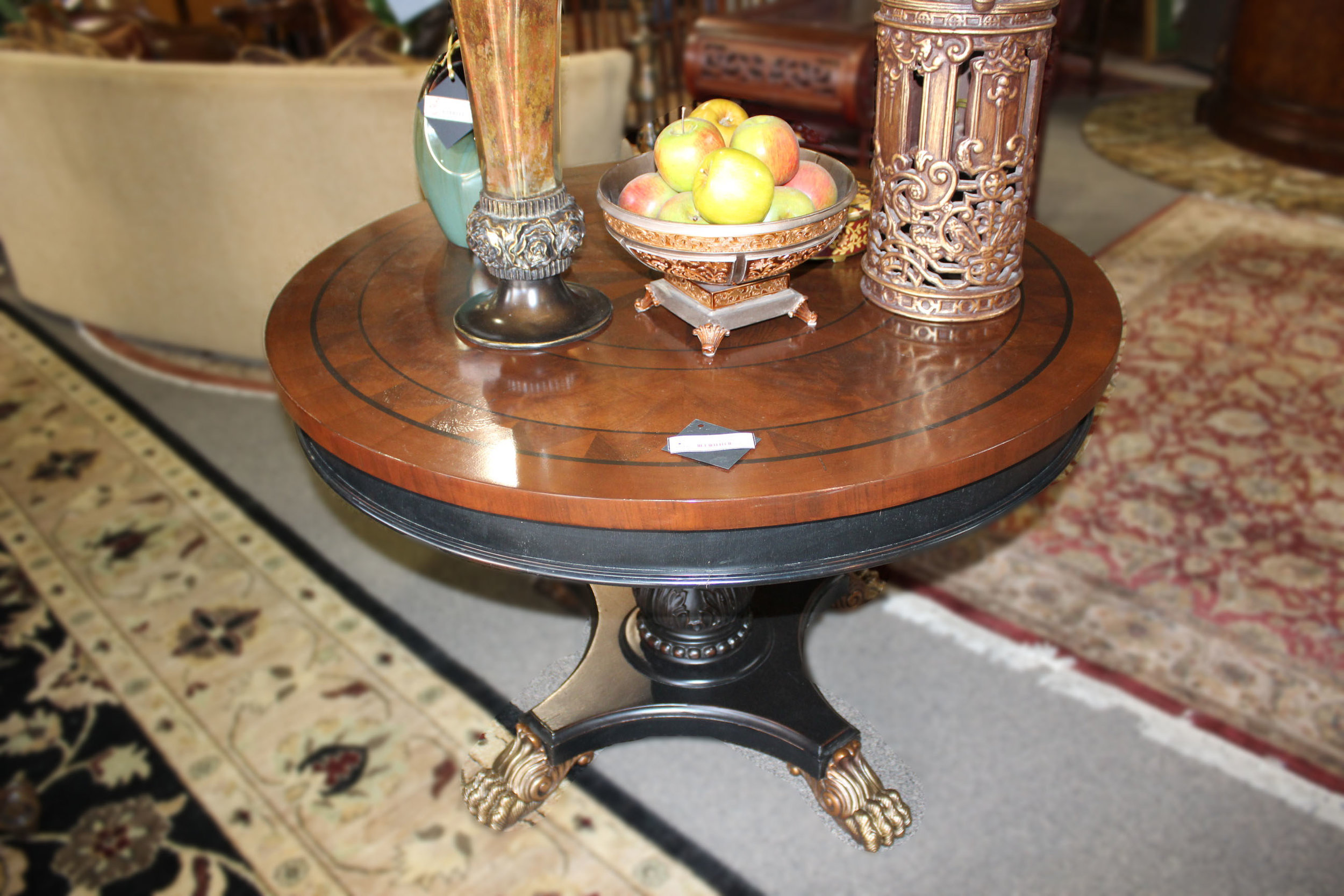 Round Star Inlay Entry Table