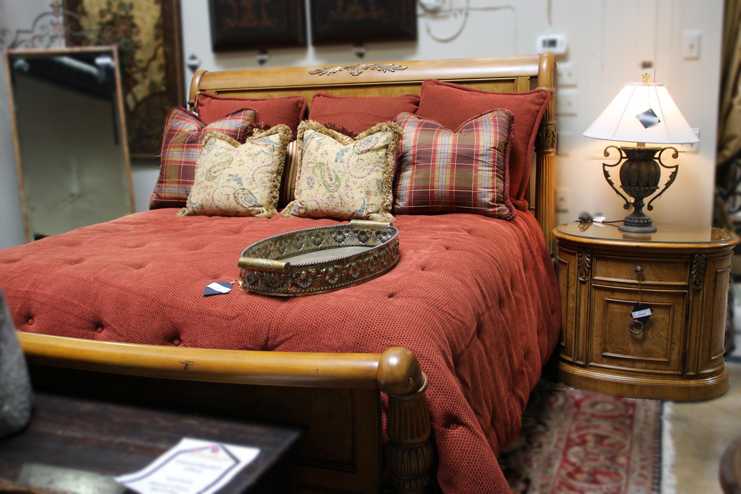 Henredon King Pillar Sleigh Bed & Nightstand