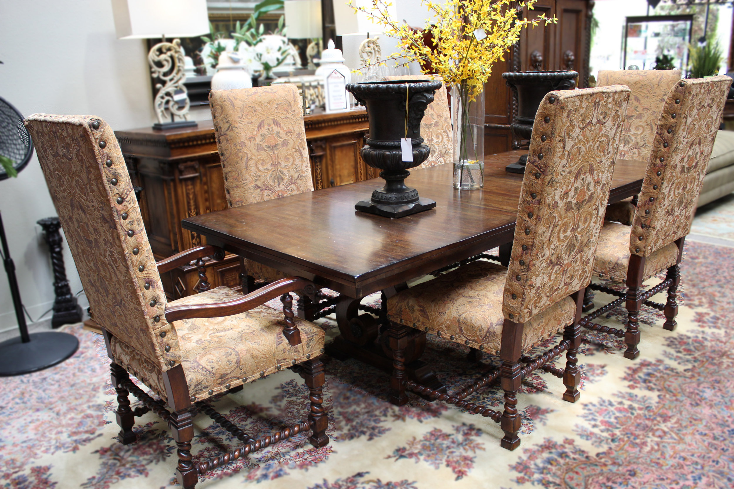 A America Dining Table with 1 Leaf and 6 chairs
