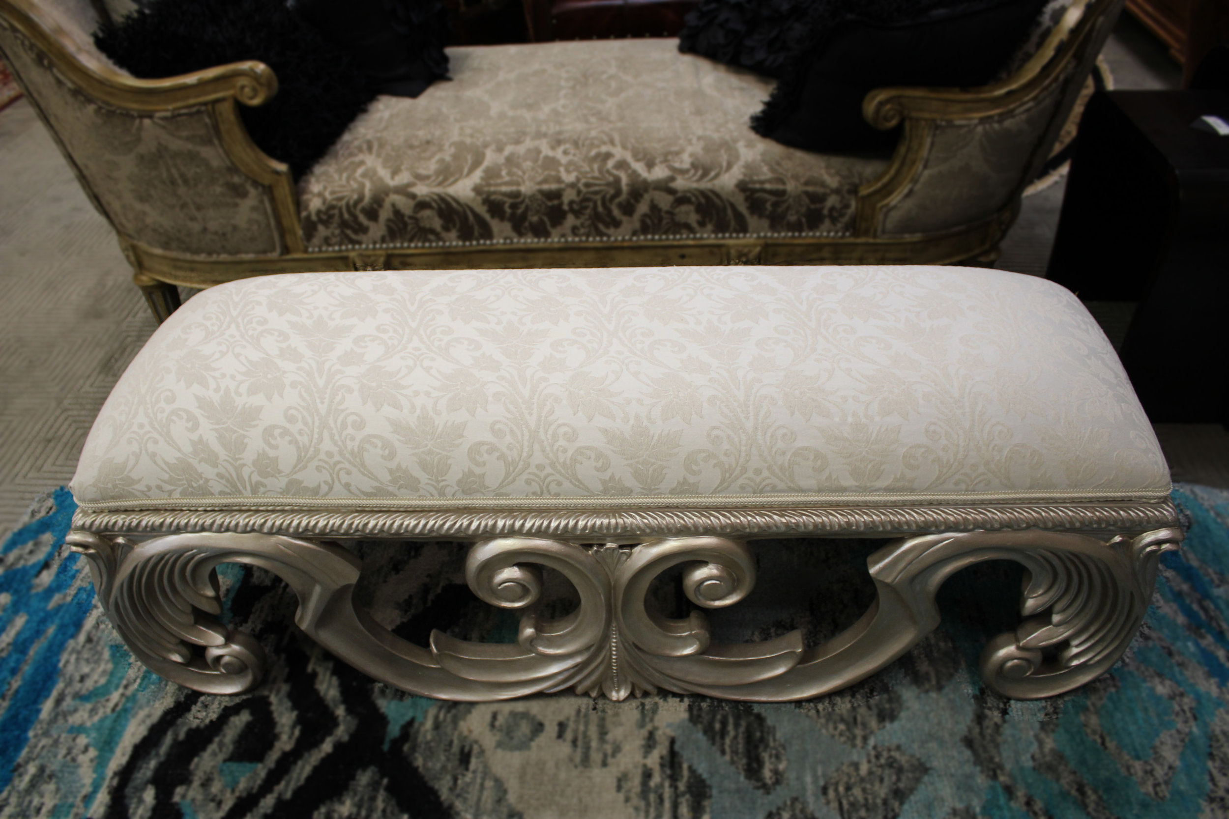 Ital Art Silver Carved Bench with White Fabric