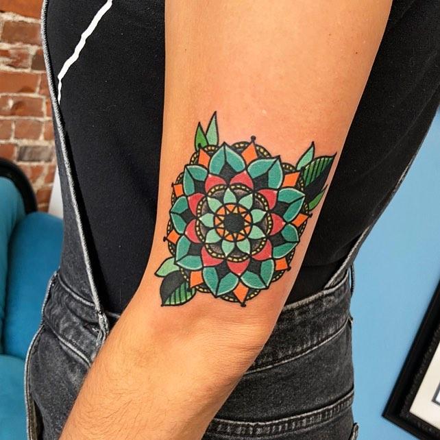 tattoosby_nash_38426511_939458242912772_3585347108523212800_n.jpg
