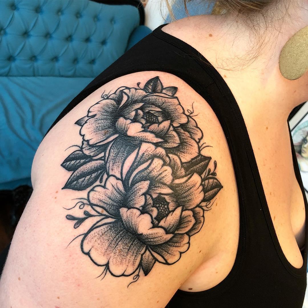 tattoosby_nash_41882020_2395677857115627_7042370759098532390_n.jpg