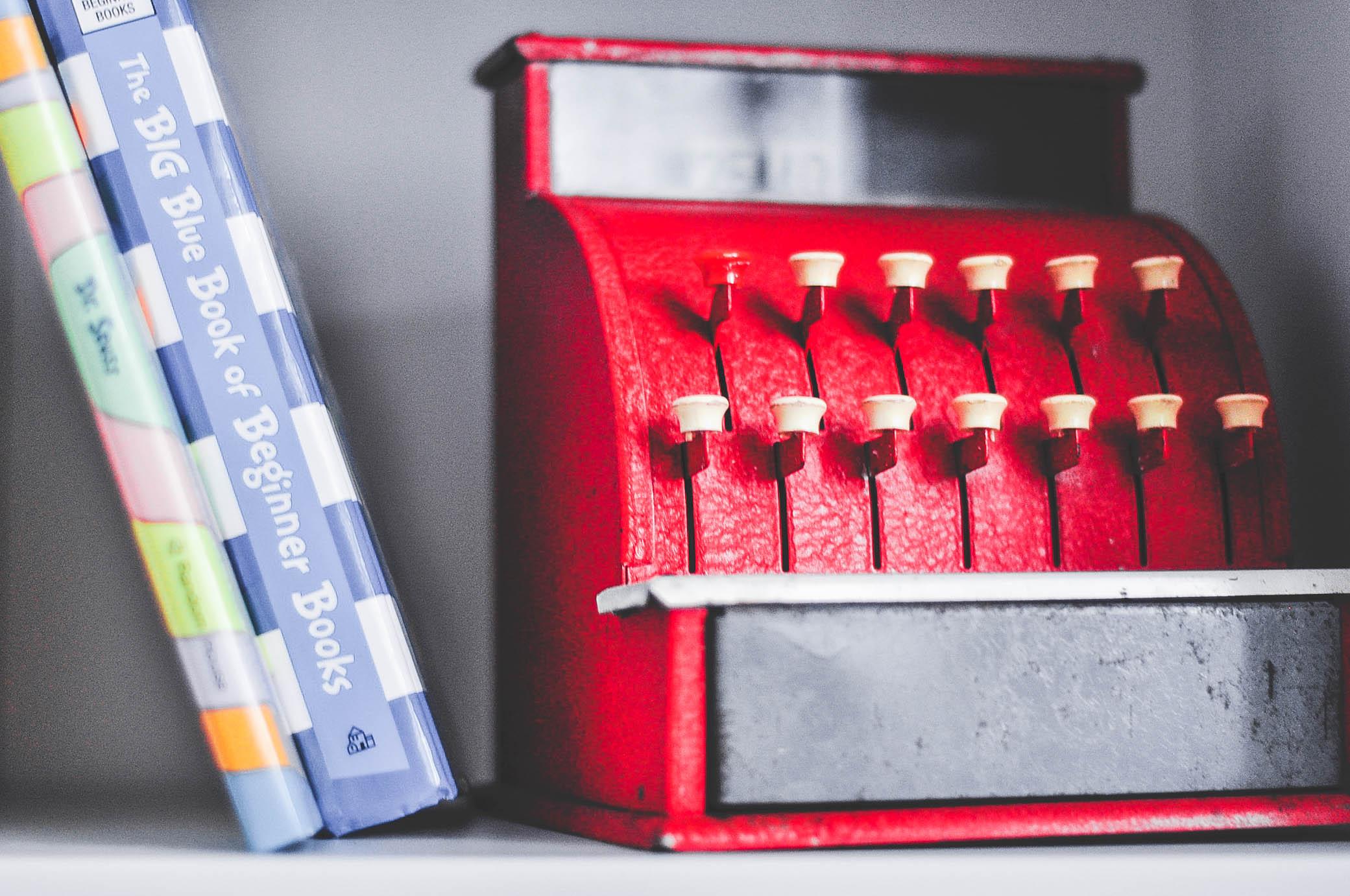 Metal toy cash register