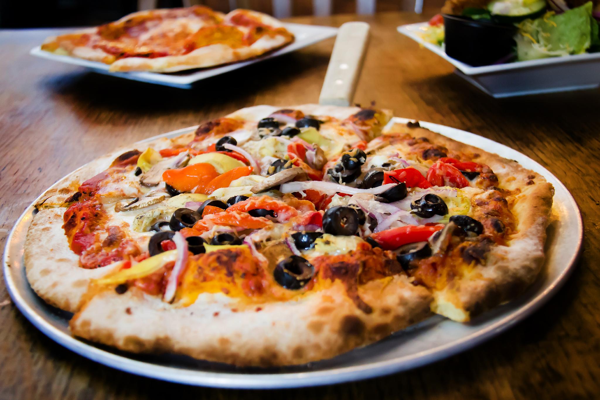 1SldsPizza.jpg