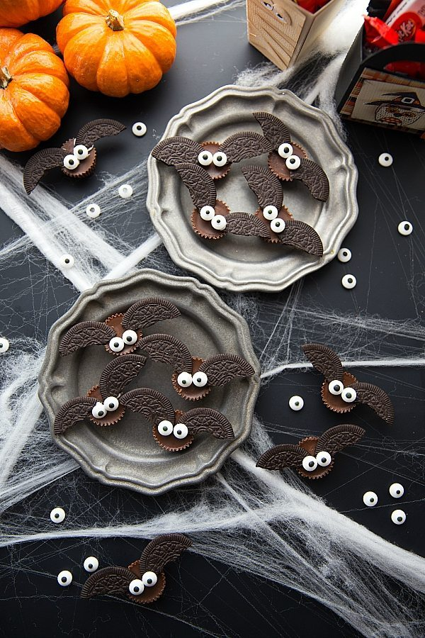 4-ingredient-Bat-Halloween-Treats.jpg