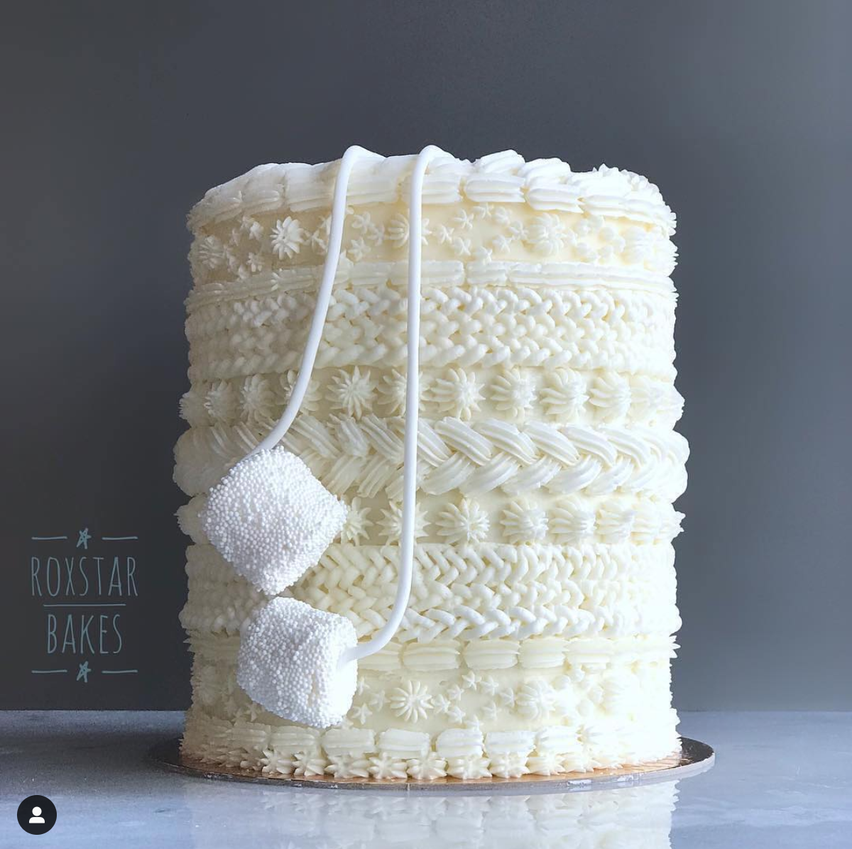 Sweater Cake.png