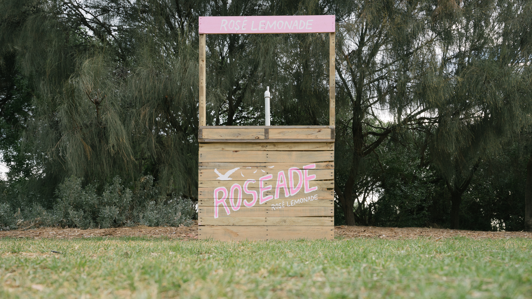 roseade-stand