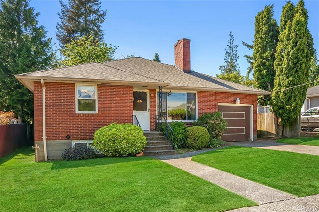 Buying: 8811 37th Ave SW, Seattle | List Price: $675,000 |  Sold Price: $650,000