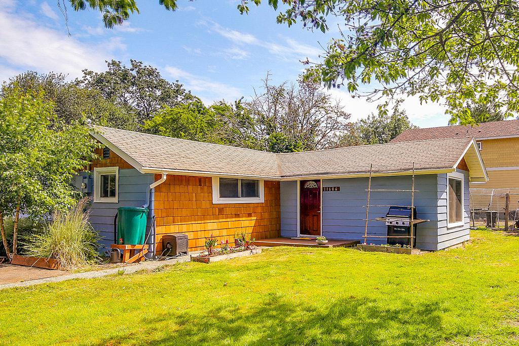 Listing: 11606 40th Ave S, Tukwila | List Price: $300,000 | Sold Price:  $320,000