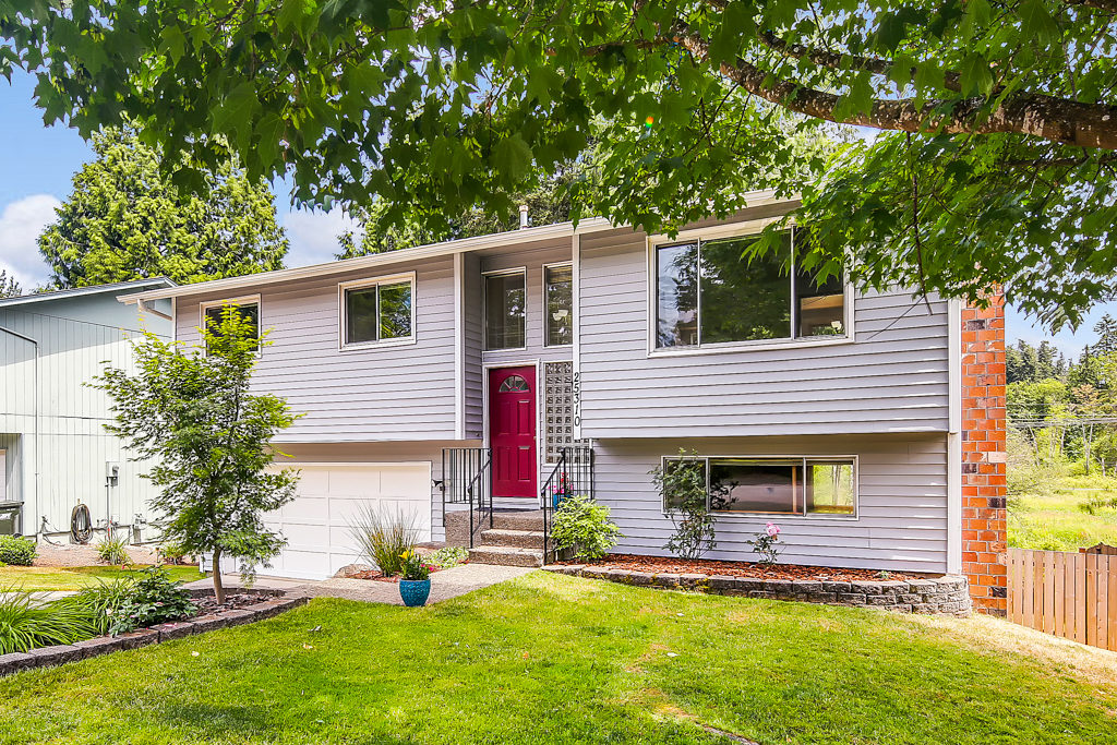 Listing: 25310 146th Ave SE, Kent | List Price: $370,000 | Sold Price: $370,000