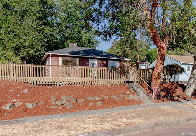 Buying: 10101 32nd Ave SW, Seattle | List Price: $425,000 | Sold Price: $425,000