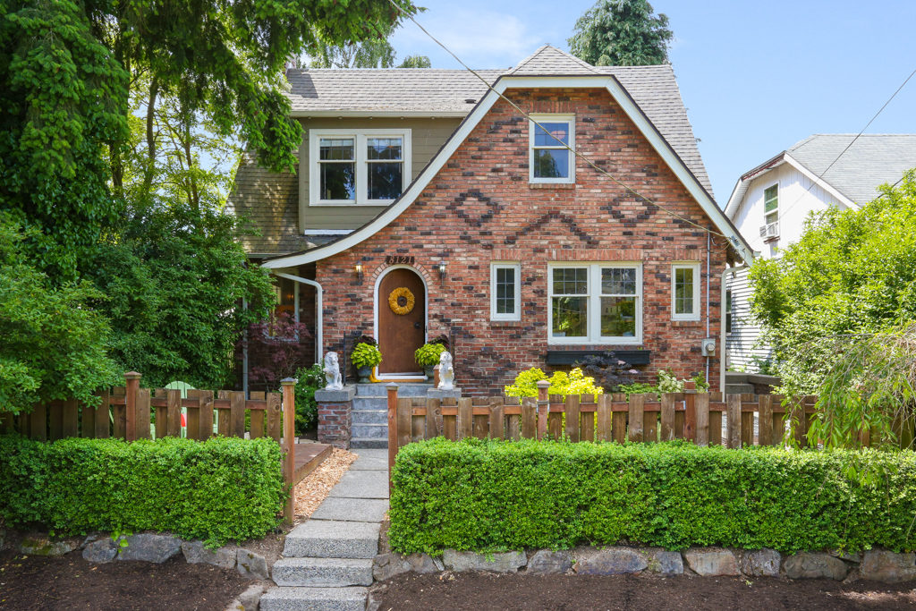 Listing:  8121 9th Ave SW, Seattle | List Price: $535,000 | Sold Price: $585,000