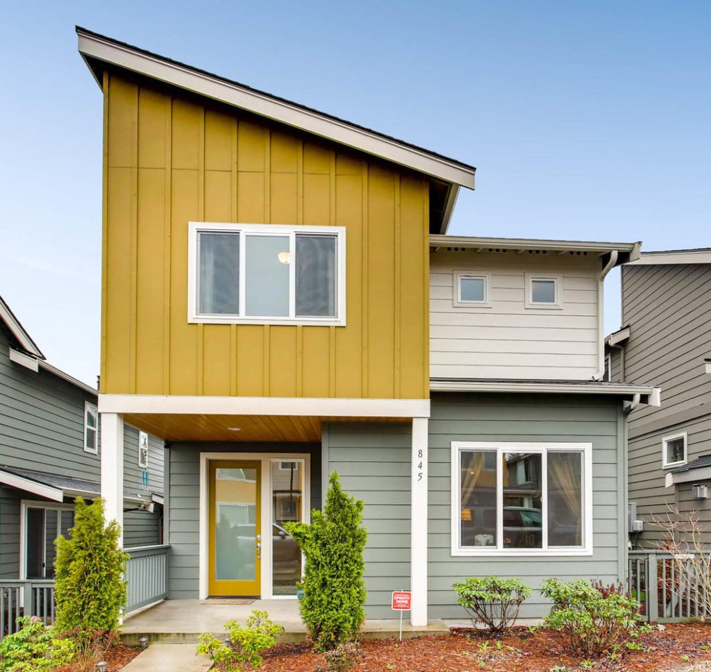 Listing: 845 SW 96th Place, Seattle | List Price: $520,000 | Sold Price: $525,000