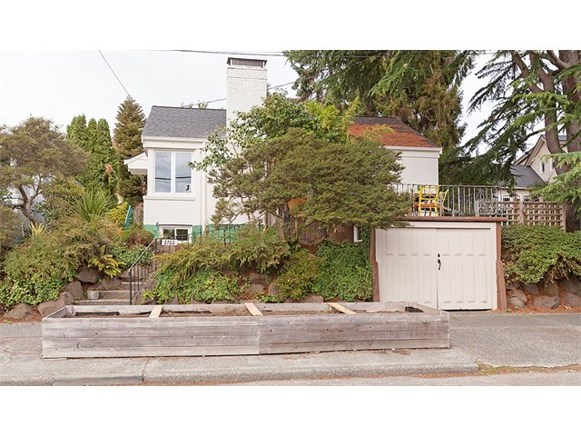 Buying:  2762 NW 70th St, Seattle | List Price: $550,000 | Sold Price: $550,000