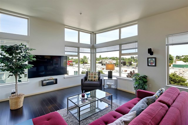 Listing: 425 23rd Ave S #A503, Seattle | List Price: $325,000 | Sold Price: $335,000