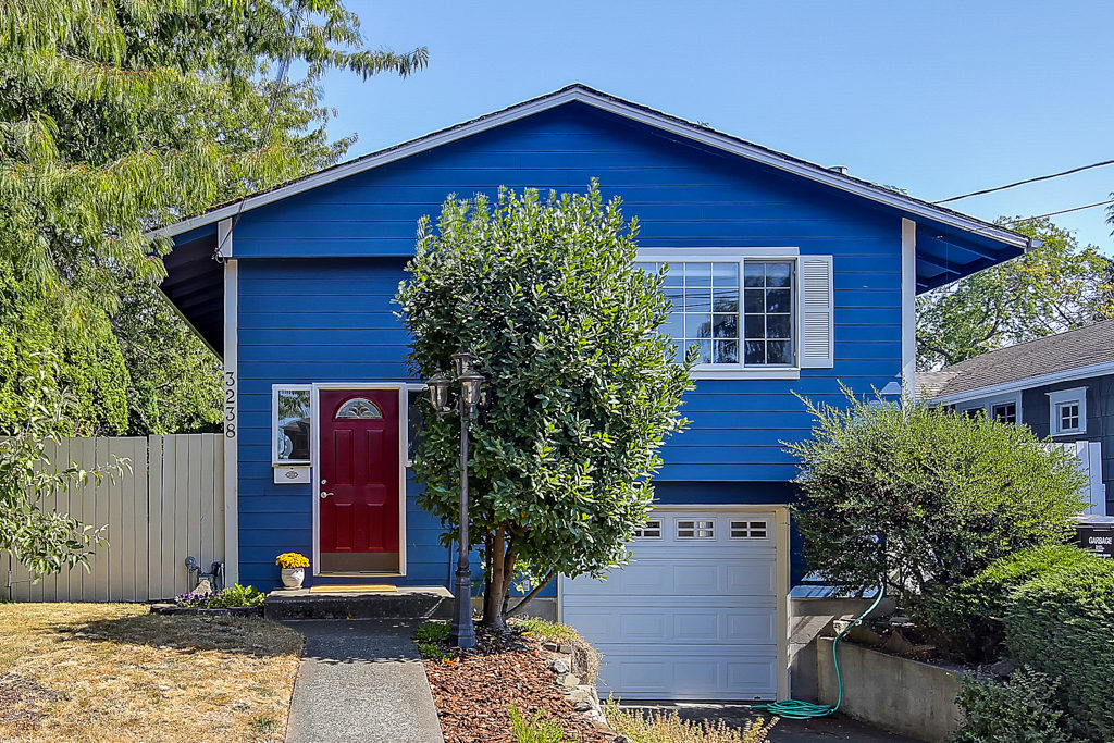 Listing: 3238 Walnut Ave SW, Seattle | List Price: $769,000 | Sold Price: $774,000