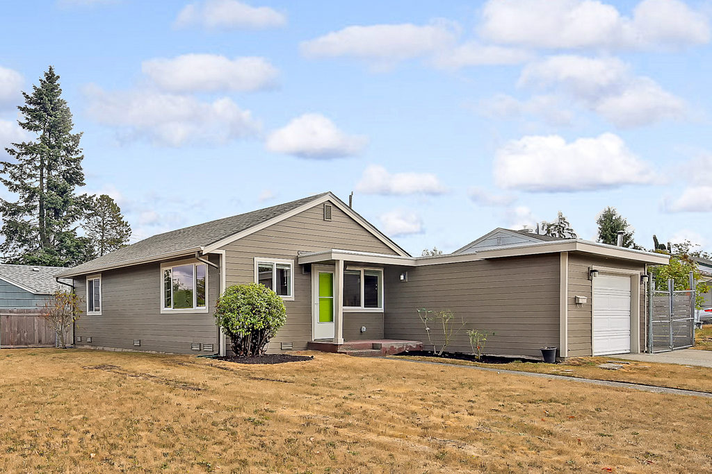 Listing: 9304 31st Place SW, Seattle | List Price: $460,000 | Sold Price: $460,000