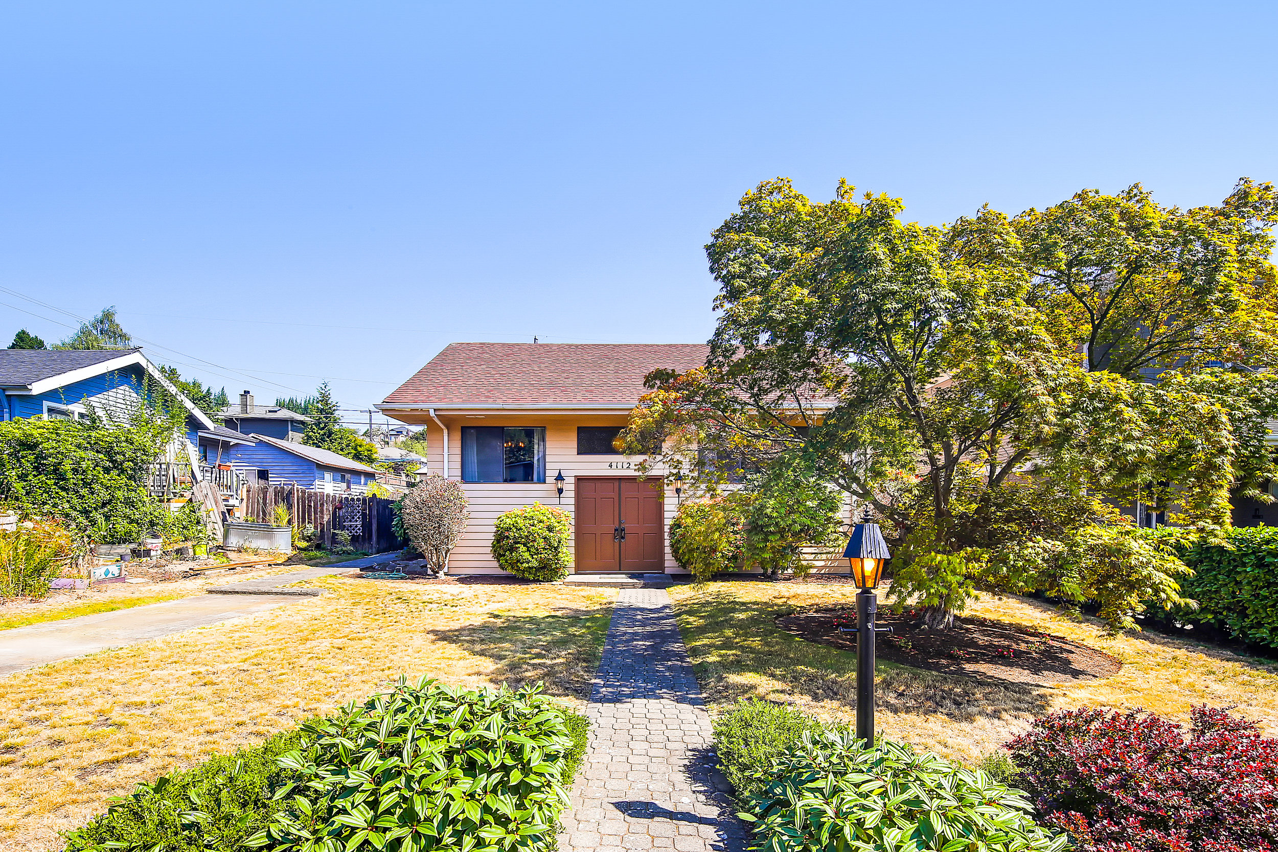 LISTING: 4112 47th AVE SW, SEATTLE | LIST PRICE: $675,000 | SOLD PRICE: $678,000