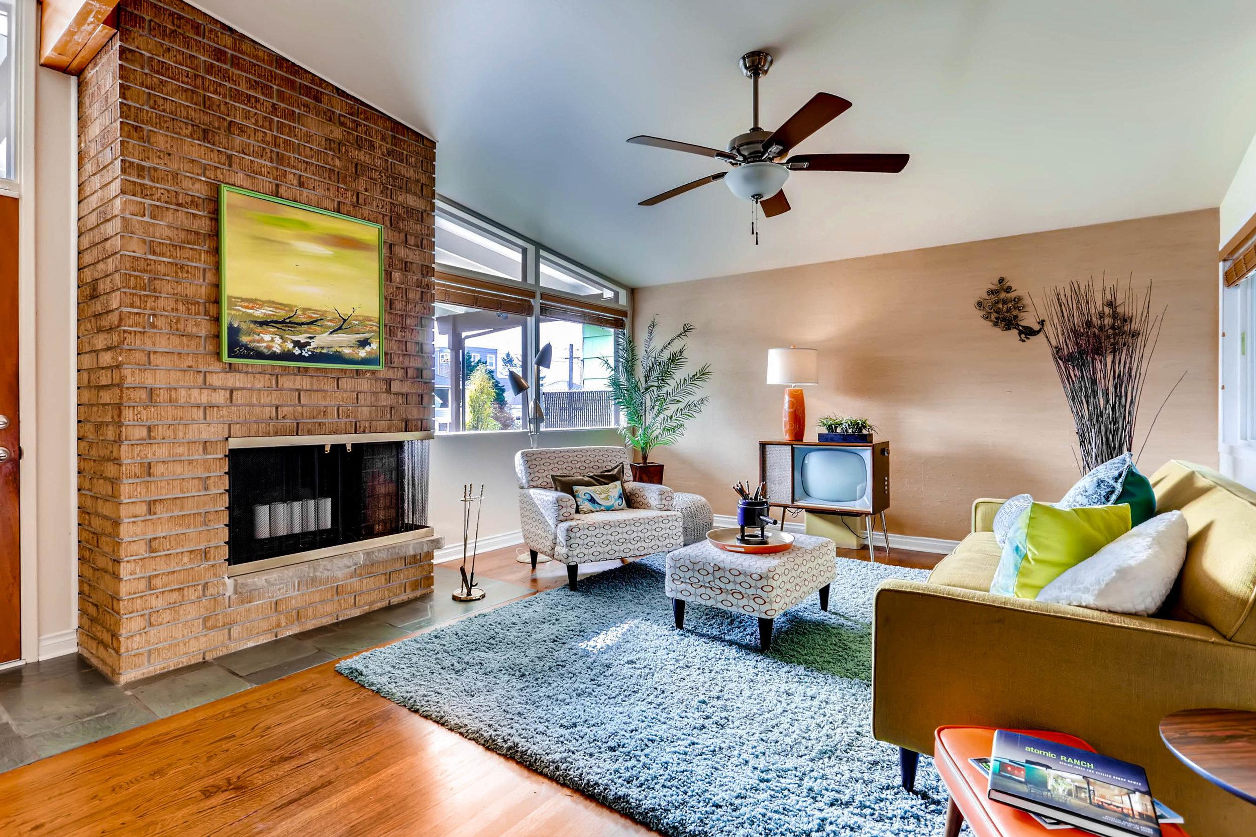 3742 SW Southern Street-print-008-1-Living Room-2700x1800-300dpi.jpg