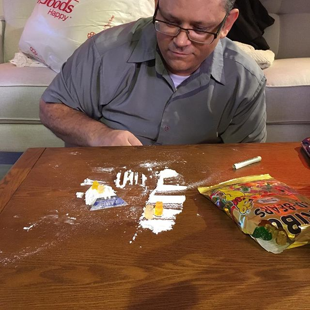 No gummy bears were hurt in the dressing of this drug overdose. #lifeonsetseries