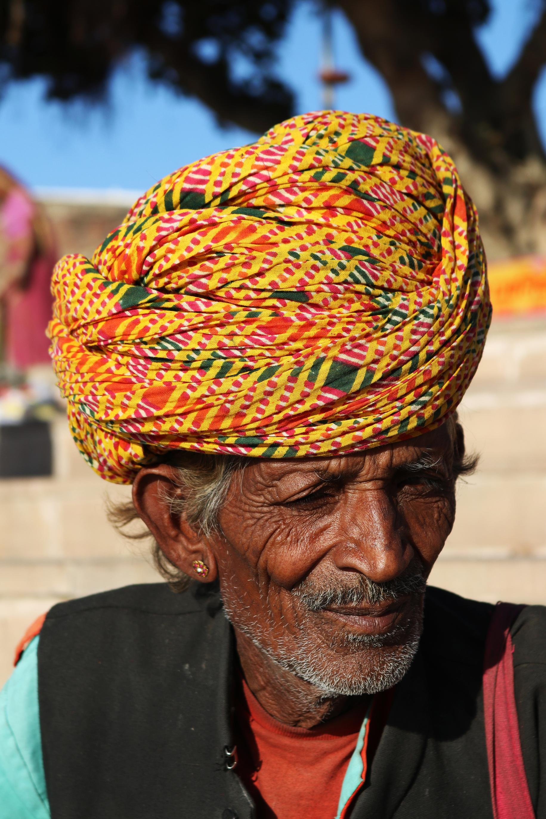 Street Performer, Pushar