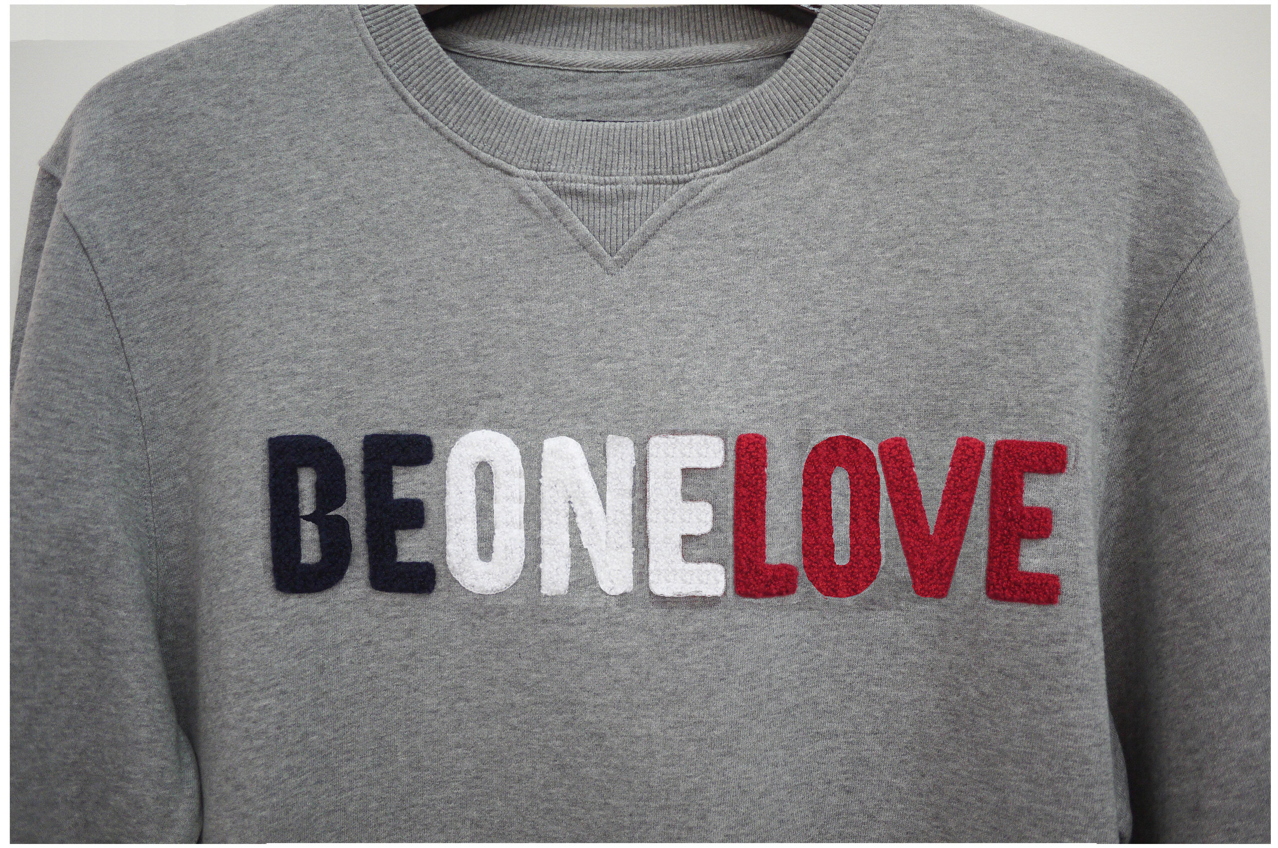 Sweatshirt BE ONE LOVE_TACTILE SURFACES_.jpg