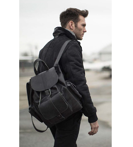 3.-BlackBackpack..jpg