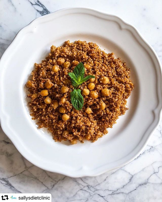 Eat healthy and in a creative way with our dietitian Sally, yoo will never get bored. Book your session with her now on stylist.fustany.com  #repost @sallysdietclinic ・・・ BULGUR! Or let's just say Berghol! ☺️ . Berghol is very much known in our lebanese cuisine and a main ingredient to our famous tabbouleh! 😍 And compared to the simple white rice we eat abundantly, this whole-grain carb is a much better source of FIBERS & PROTEINS, and provides a greater amount of vitamins, minerals and antioxidants.  What do you guys prefer? Rice or berghol? Leave your answers 👇 . . #sallysdietclinic #sallythedietician #sally #diet #dietician #health #nutrition #bulgur #lebanesefood #lebaneselunch #vegan #foodphotography