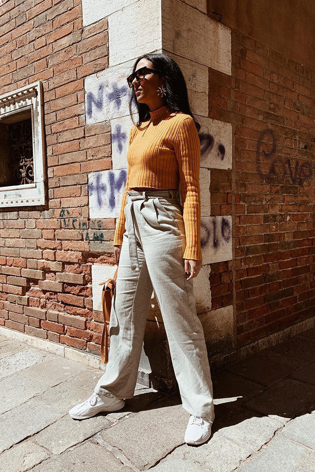 large_Fustany-fashion-style-ideas-cute-college-outfit-ideas-2019-1.jpg