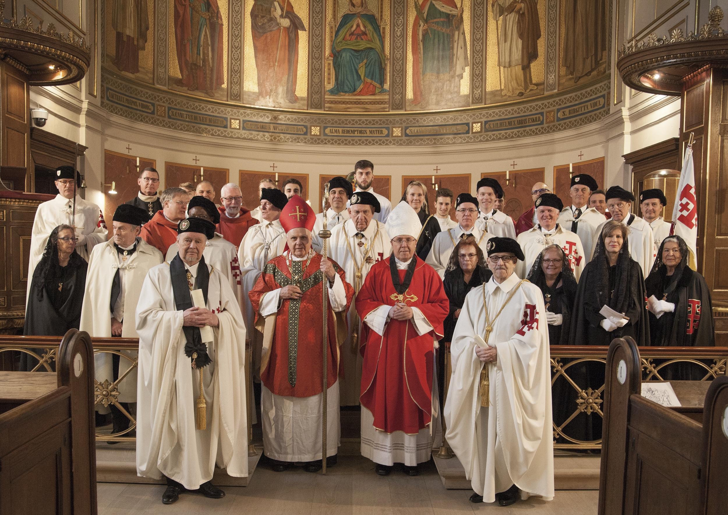 To Riddere og fire Damer blev i 2018 optaget i Sankt Ansgar Kirke, København