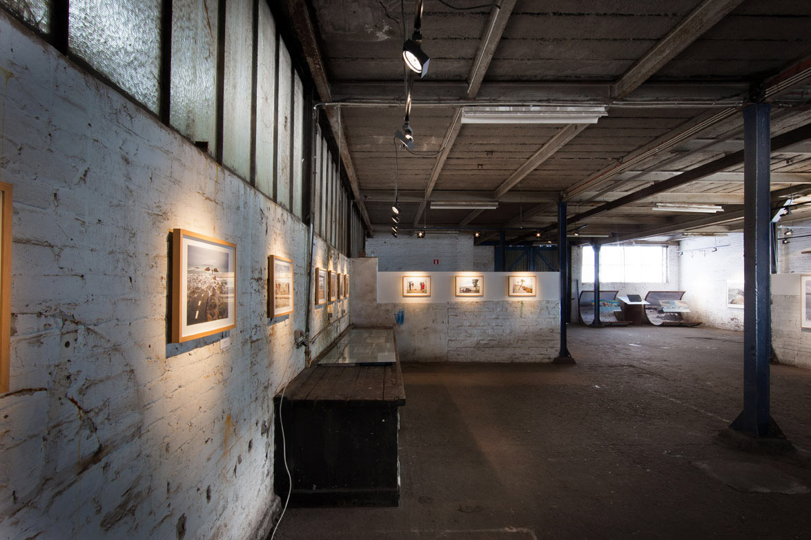 Tentoonstelling-Carl-De-Keyzer---Oostende-2012---Fotografie-Valerie-Clarysse---4.jpg