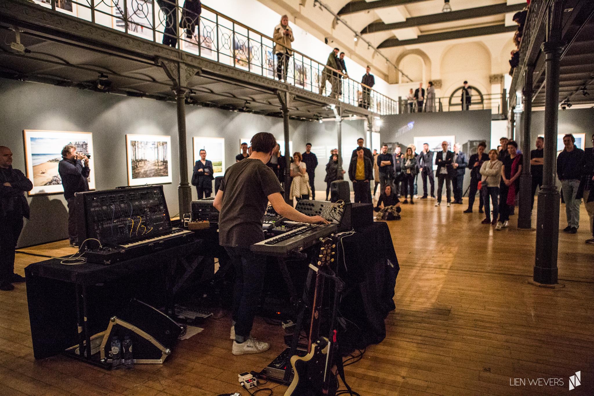 Expo 'Higher Ground' by Carl de Keyzer - music by Dave Martijn_Lien Wevers fotograaf_4.jpg