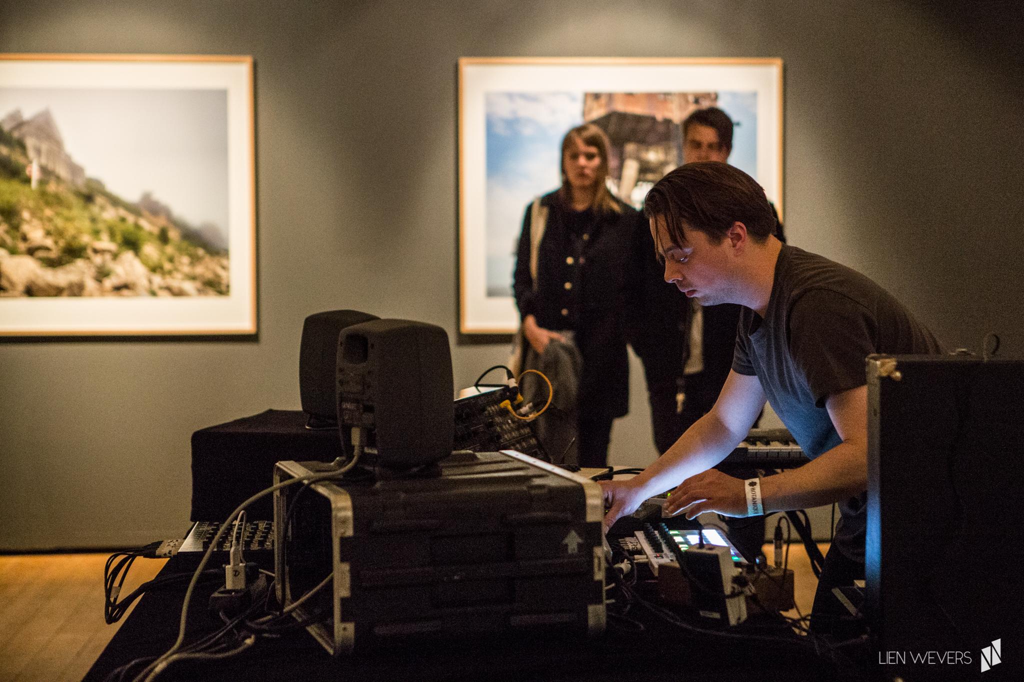 Expo 'Higher Ground' by Carl de Keyzer - music by Dave Martijn_Lien Wevers fotograaf_5.jpg
