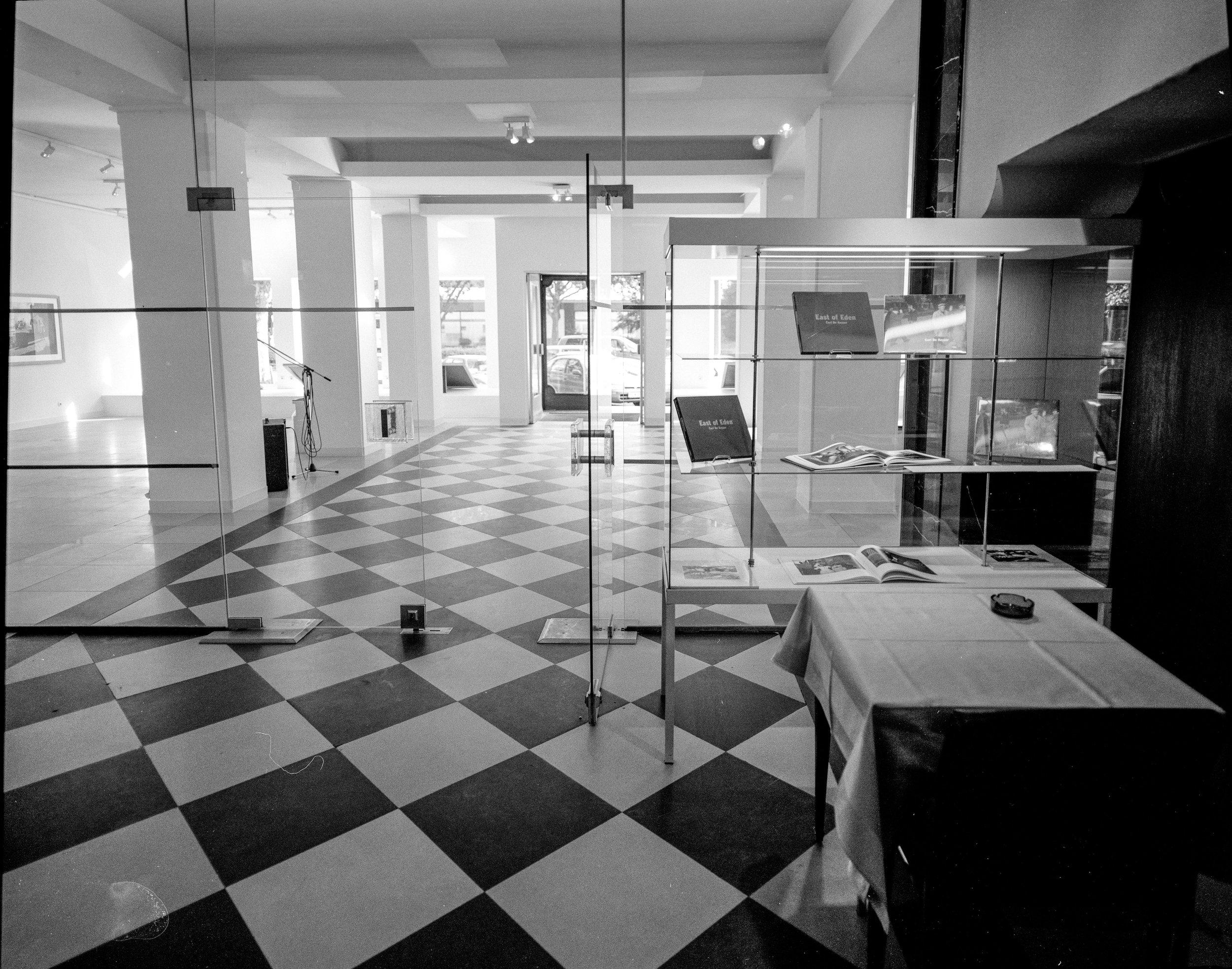 23-06-18-neg-zw-expo-Belgisch-huis-9 001.jpg