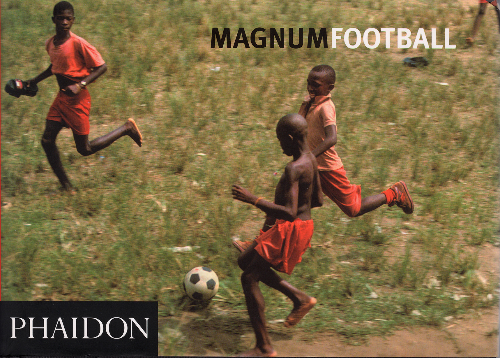 MAGNUM Football