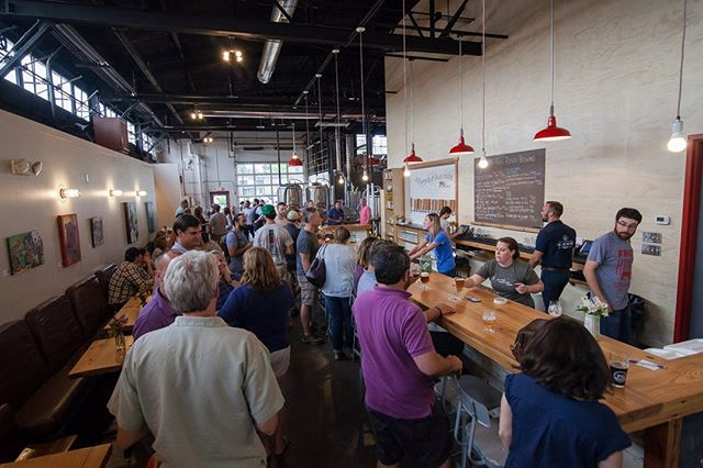 Looking for a great craft beer while at Market? Check out our Pro Tip for finding them at Market. Looking for some down time at the end of a big market day? We've got the best spots for you! #HPMKT #SteelyardAccess  #InteriorDesign  #CraftBeer #MarketStop ˙ http://qoo.ly/sdy5i