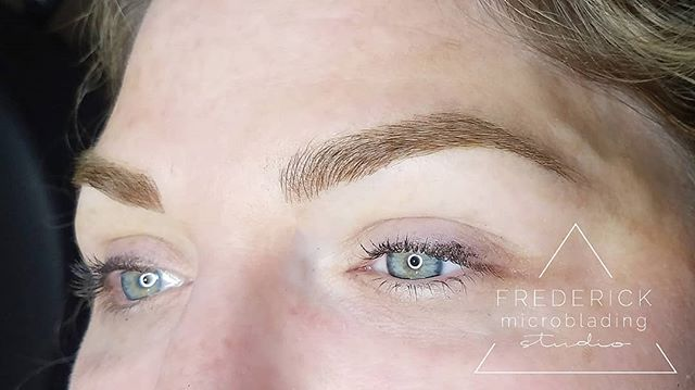 These brows were conquered by microblading and machine shading 💥💥💥 #frederickmicrobladingstudio . . . . #microblading #frederick #downtownfrederick #eyebrows #frederickmicroblading #frederickmd #microbladingeyebrows #microbladingbrows #permanentmakeup #microbladingartist #micropigmentation #tattoo #pmu #brows #3dbrows #browsonfleek #eyebrowtattoo #semipermanentmakeup #eyebrowsonfleek #beauty #cosmetictattoo