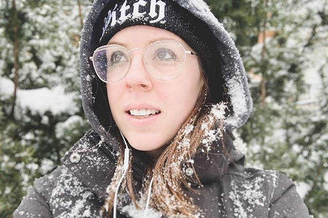 I dret last night I drove to Ottawa + got lost in a snowstorm, despite the date on my watch reading mid-July. Tell me my future, why don't you. ◇