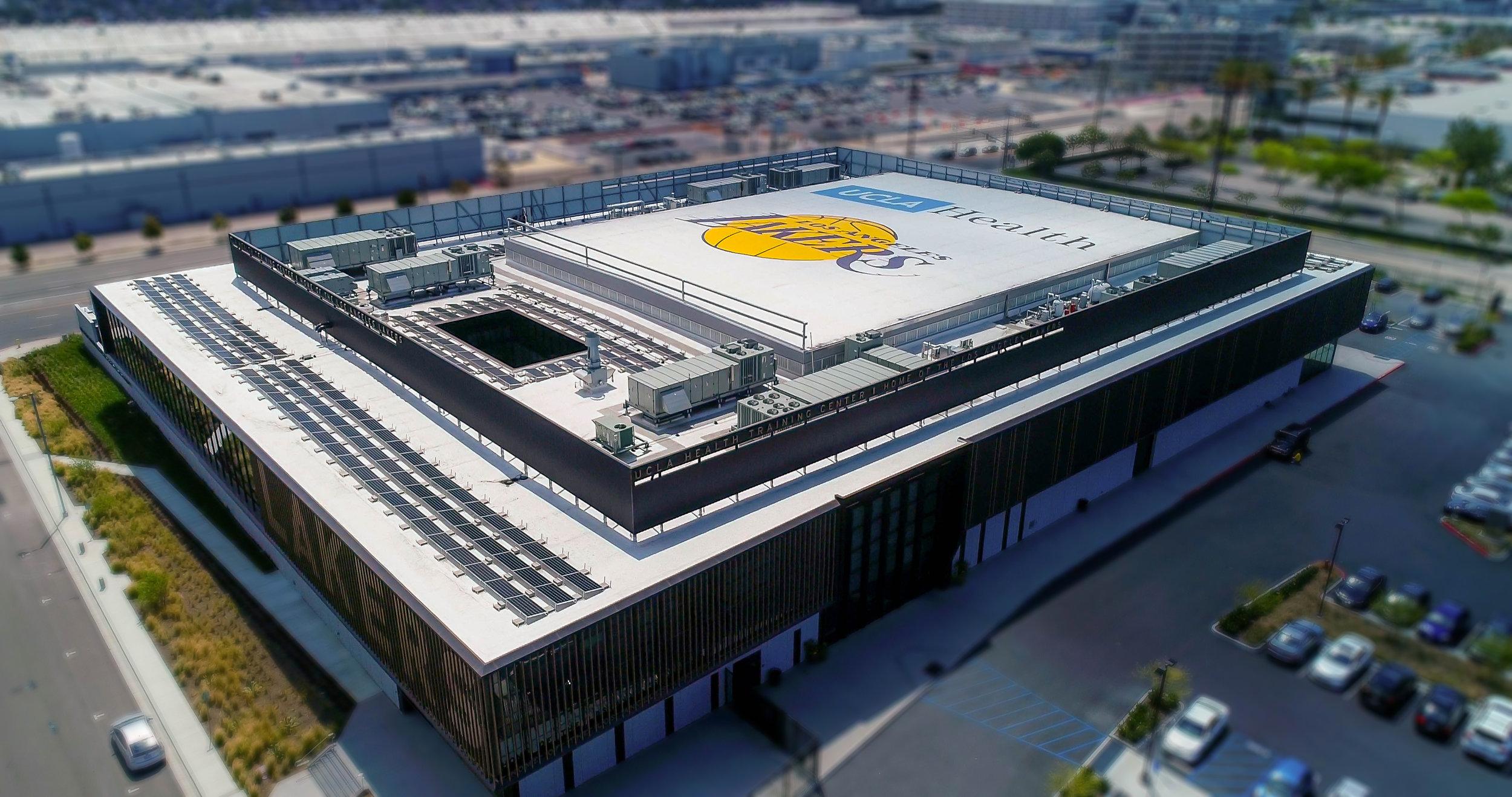 LG_LA_Lakers_2018_1.jpg