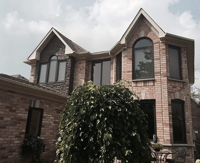 This is a home we worked on for the Arnt's family!  We outfitted and installed garage doors, tinted windows, the front door, and Gemstone. 🏡  https://www.albernwindowsanddoors.com/