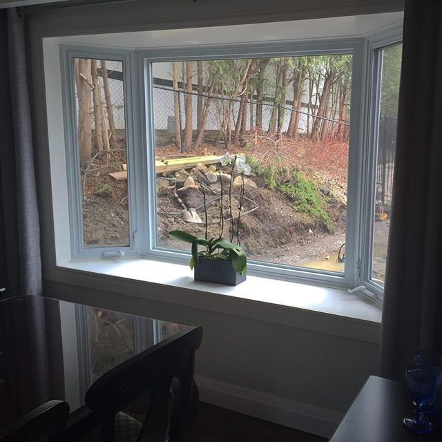 This was a reno we did for the Gribben Family! We knocked out an existing bay window and installed an 8ft patio door and 2 front office windows! 🖼  Click here to see more!: https://www.albernwindowsanddoors.com/blog/existing-bay-window-converted-to-an-8-foot-patio-door