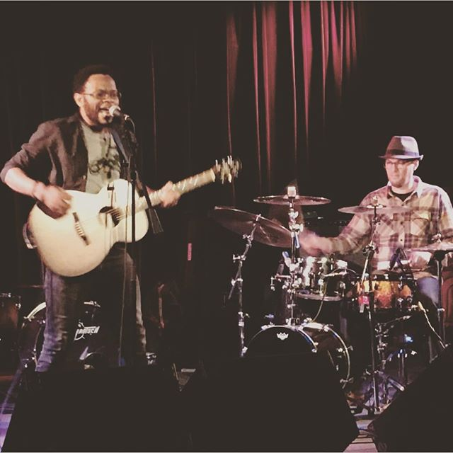 Taking sometime off work got me dreaming of the stage again. This picture was taken @martyrslive in Chicago. Great venue, great sound and treated musicians really well. . . . . #theartofblooming #MusicProduction #recordlabel #Songwriter #livemusic #bluesguitar #blues #acusticguitar #rnb #hustlehard #alternative #fashion #fashionblog #sundayfunday #newyorkstreets  #classic #livemusicrocks #livemusic
