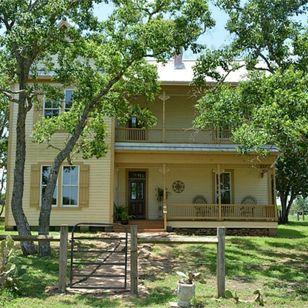 377193800769ab39_2497-w308-h308-b0-p0--farmhouse-exterior.jpg