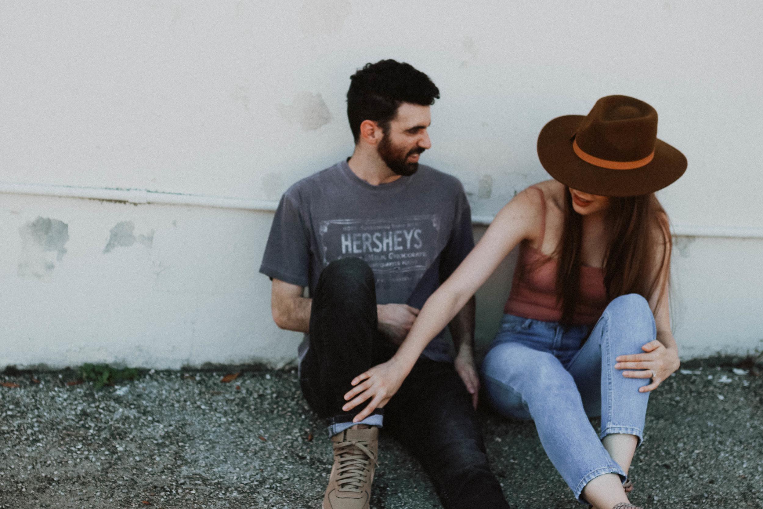 Simple Engagement Photos | Melanie Zentmeyer | Central Florida Photographer
